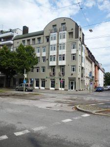 Bürohaus Schleißheimer Straße 180 mit Straße